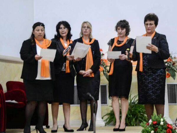ORANGE DAY in chiesa rumena-3